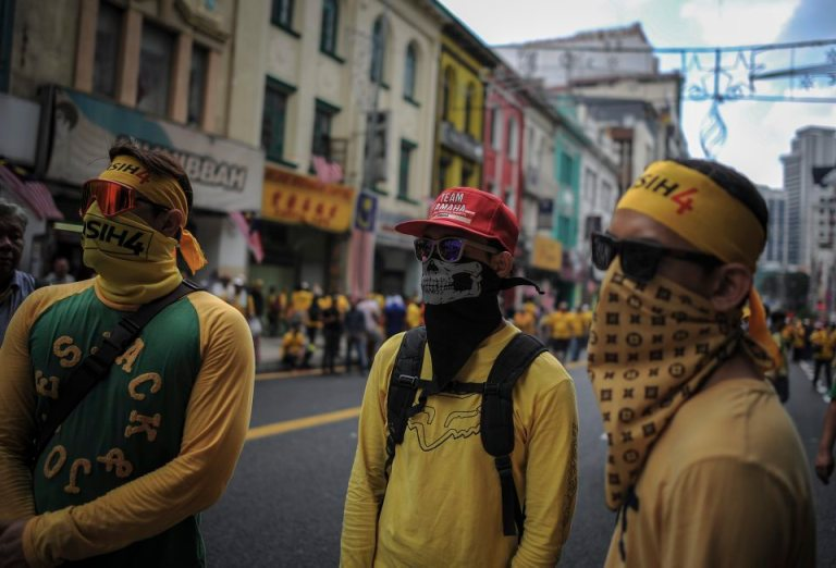 Protesters gather in the streets during BERSIH 4.0 (The Coalition for Free and Fair Elections) in Kuala Lumpur on August 29, 2015. Photo by Firdaus Latif